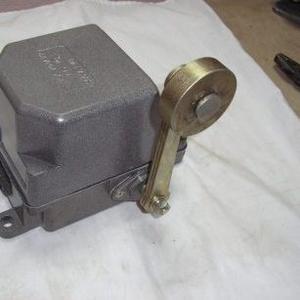 продам концевой выключатель ку 701, ку 703, ку 704, нв 701, ву 701, производитель