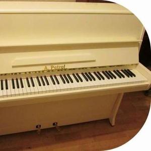 Восторг от ярко белого пианино для гостиной,  Вас и Ваших гостей