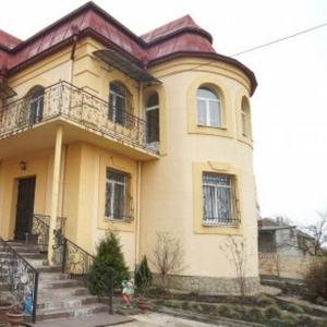 Елітний будинок в передмісті Львова