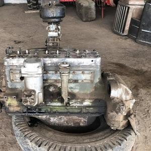 Двигатель ЗИЛ с конверсии все в стандарте в хорошем состоянии