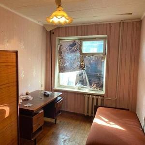 Продам 3-х комнатную к-ру в районе Титова,  Б. Хмельницкого,  38